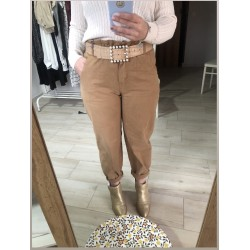 Pantalón mom fit camel